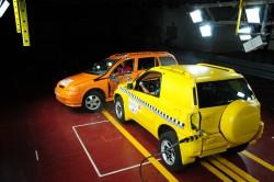 boční náraz osobní automobilu a SUV