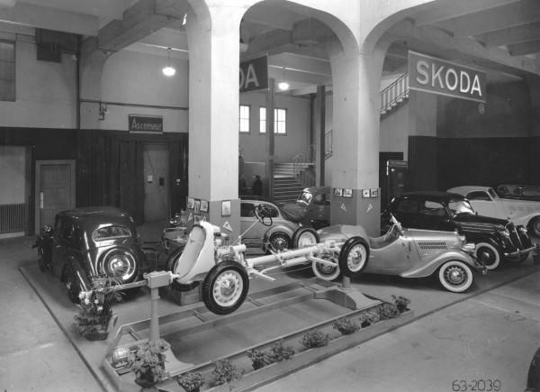 Expozice automobilky Škoda v roce 1937