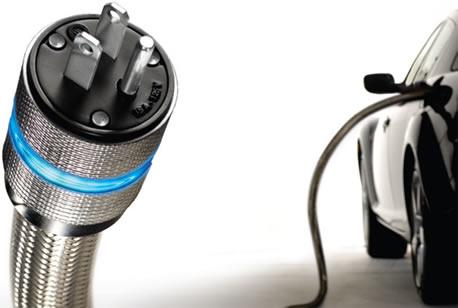 ilustrační obrázek zapojení plug-in hybridu do elektrické sítě