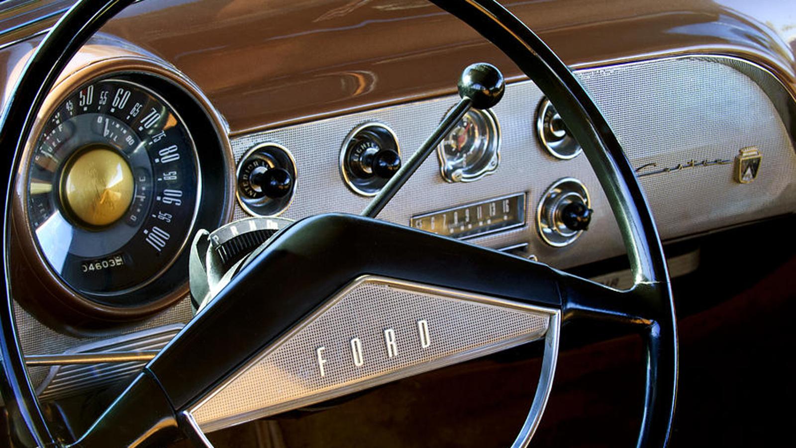 Ford Crestliner (1951)