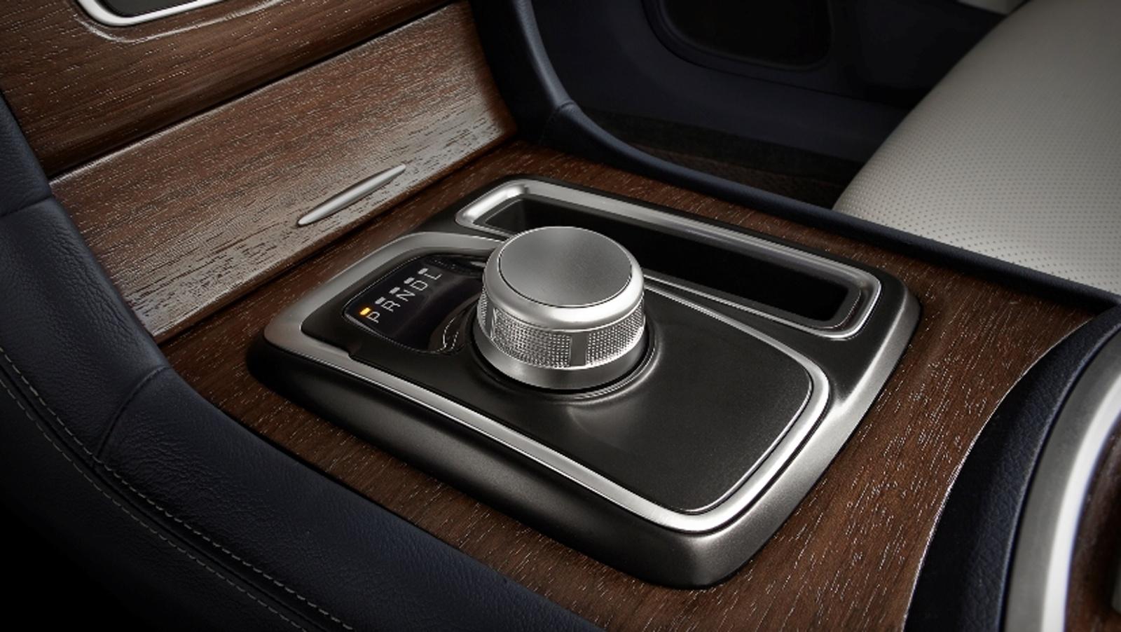 Chrysler 300C Platinum (2016)